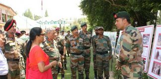 Kashmir: Defence Minister Reviews Security Situation