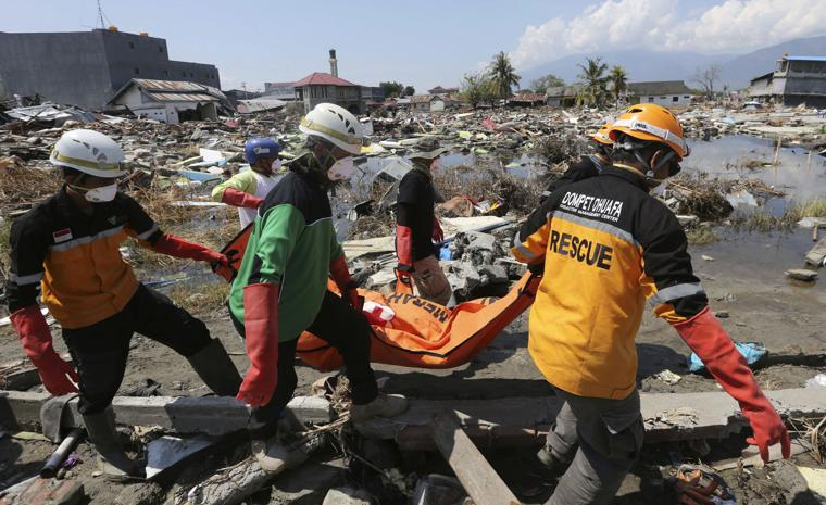 Indonesia tsunami: death toll reaches 1400, scientists puzzled