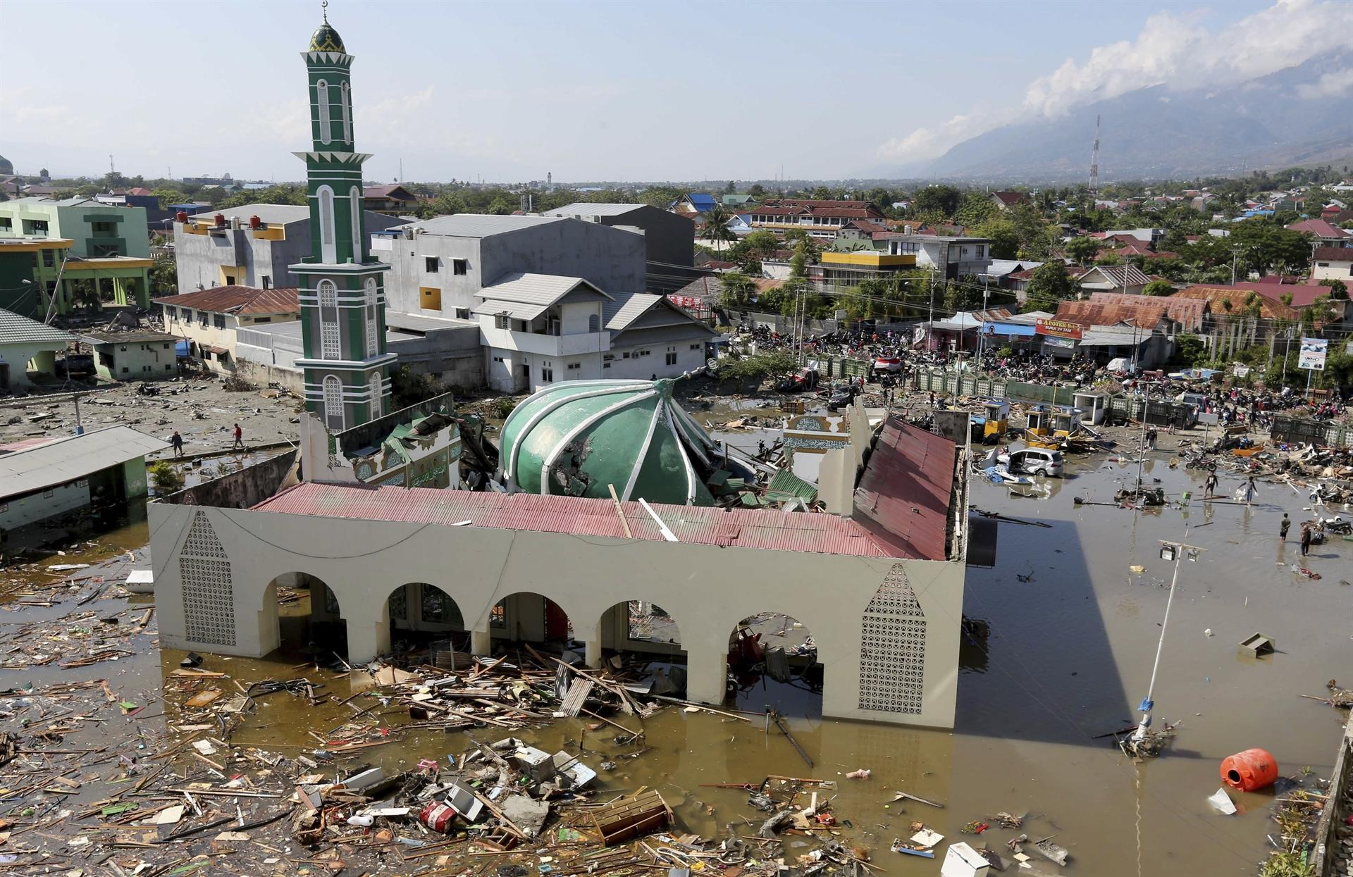 As death rises to 281, India stands by tsunami-hit Indonesia, says Swaraj