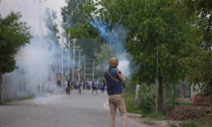 No respite for Kashmir this Ramadan, nine dead in two gun battles