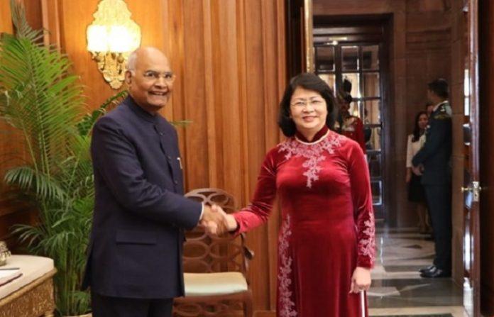 Vice President Dang Thi Ngoc Thinh meets President & Vice-President of India